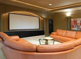 Home-theater-u-couch_400