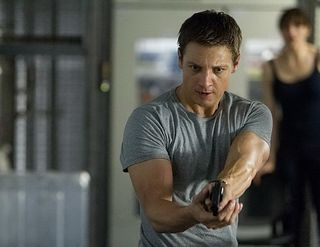 Bourne legacy jeremy renner gun